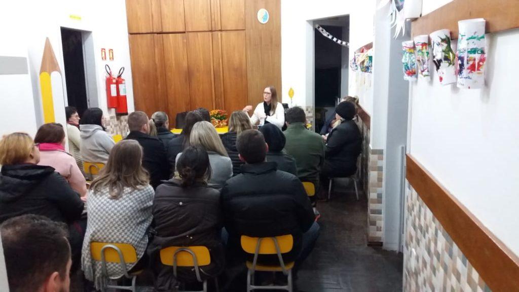 Palestra sobre o sono na escola Favo de Mel. em Campo Bom/RS